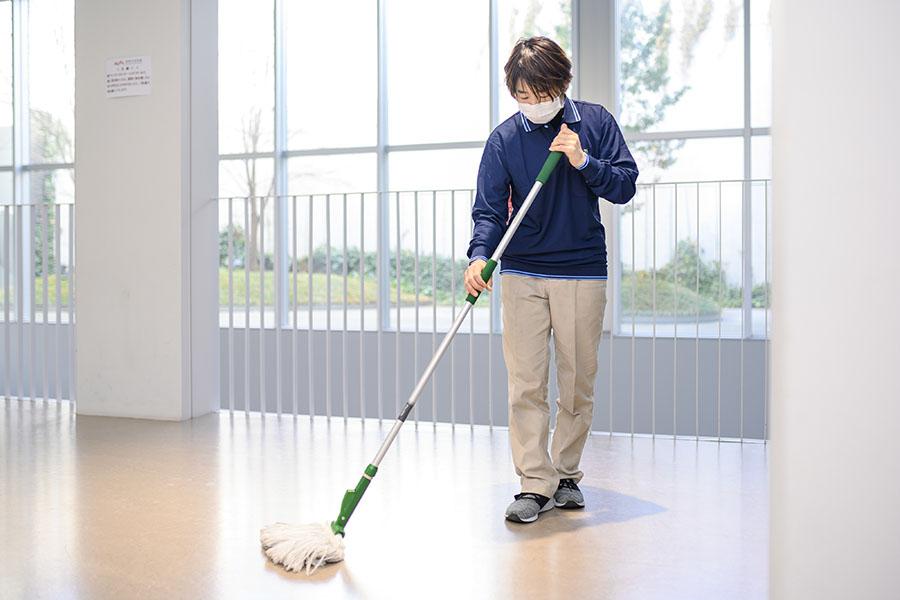 社屋の日常清掃